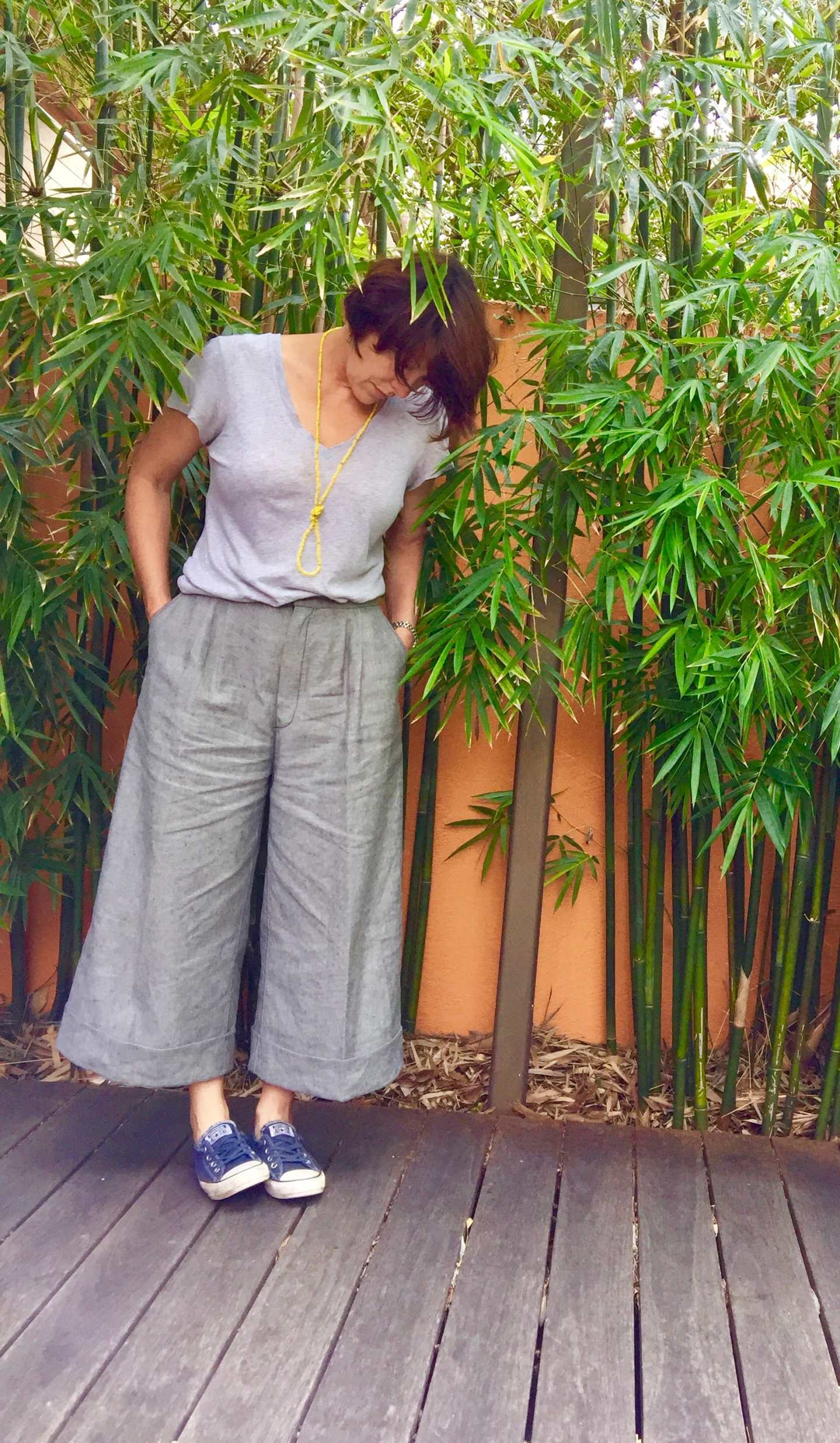 2 pleats at front