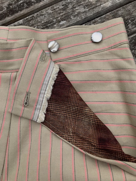 trouser pocket opening